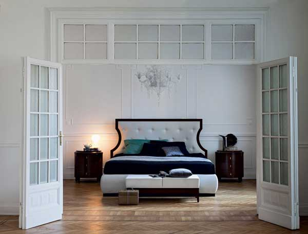 парадная кровать
