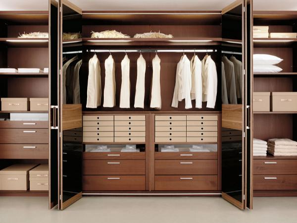 Як оновити шафу для одягу в домашніх умовах?