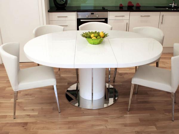 Функціональність кухонного острова з обіднім столом: типові розміри