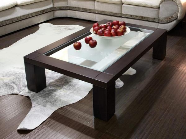 Як правильно декорувати журнальний столик?