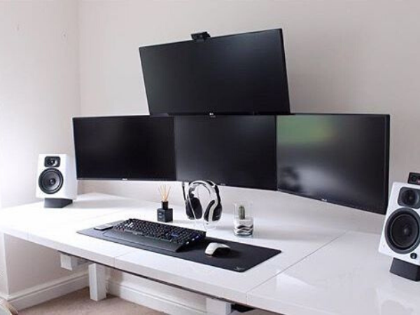 Відмінні риси столу для геймера: вимоги до меблів
