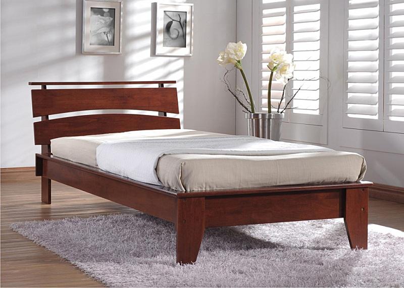 Полуторная кровать для спальни