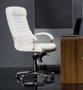 Офисные кресла в Интернете