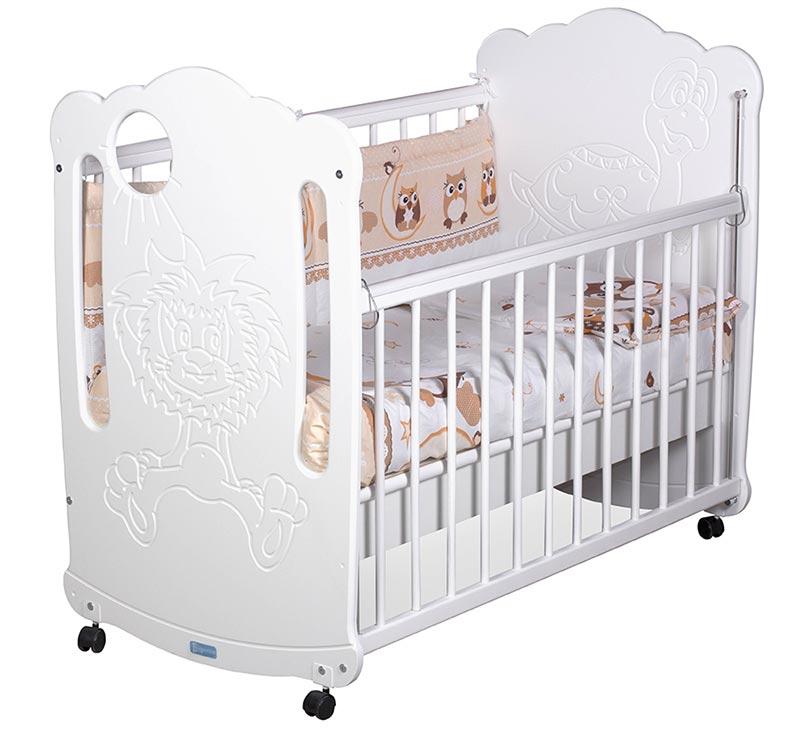 Почему стоит выбрать детскую кроватку с колесиками