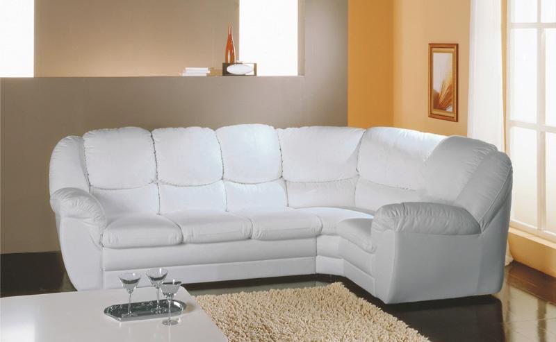 Преимущества деревянного каркаса в угловых диванах