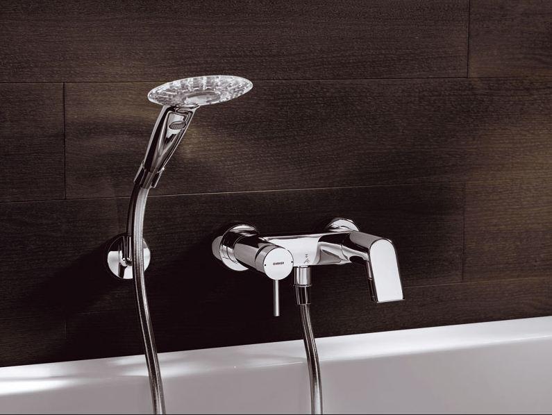 Смеситель для ванной с комплектом – все за и против
