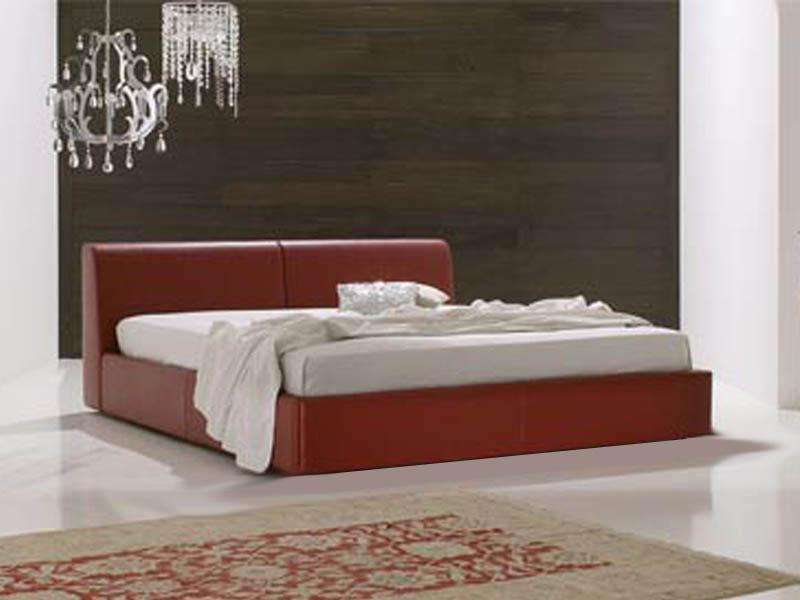 Кровать-подиум как часть интерьера маленькой квартиры