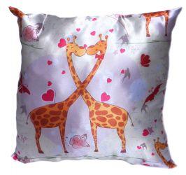 Подушка декор «Жирафы» ладошка 35*35